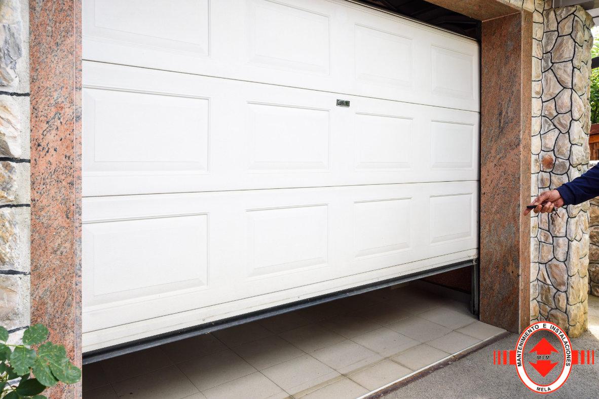 Puertas de garaje automáticas en Málaga