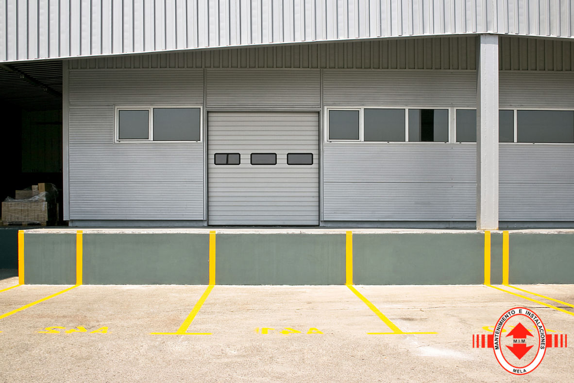 Instalación puertas enrollables PVC