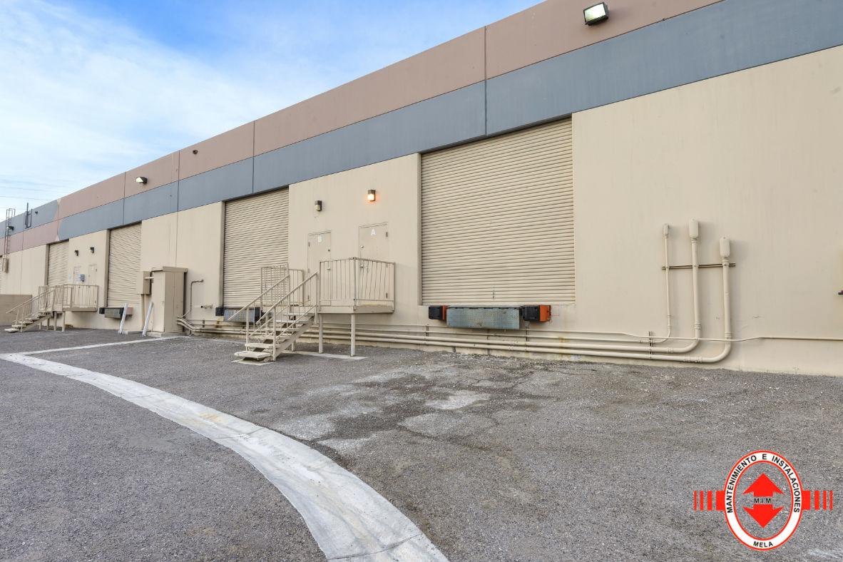 Instalación de puertas seccionables en Málaga
